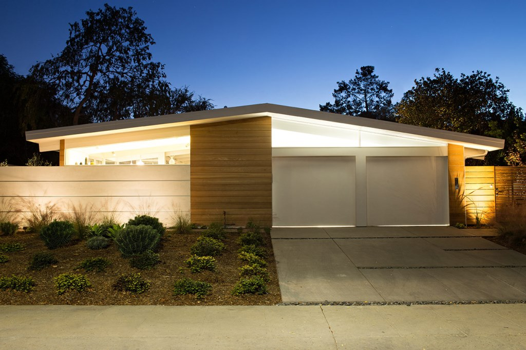 Truly_Open_Eichler_House_1