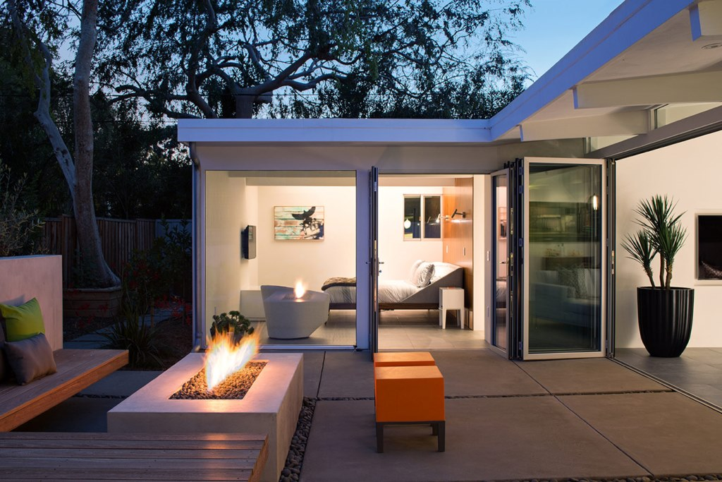 Truly_Open_Eichler_House_4