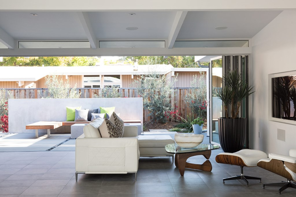 Truly_Open_Eichler_House_7