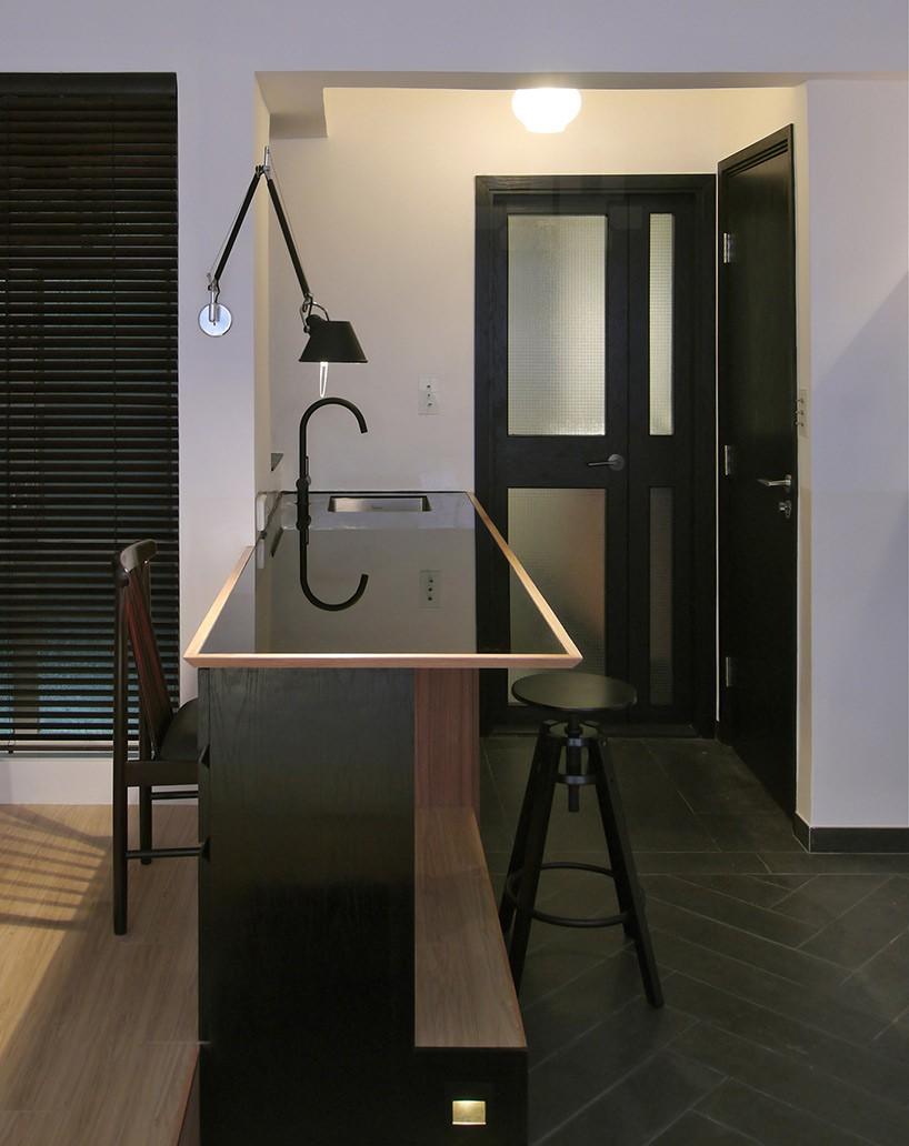 кухонный уголок, бар, рабочая столешница и обеденный стол – в одном