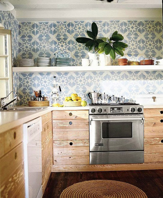 Kitchen_made_of_natural_wood_2