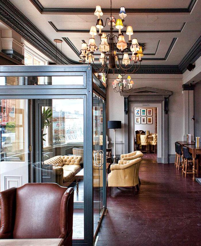 Restaurant_and_Pub_Decor_by_DV8_Designs_3