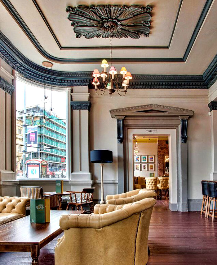 Restaurant_and_Pub_Decor_by_DV8_Designs_4